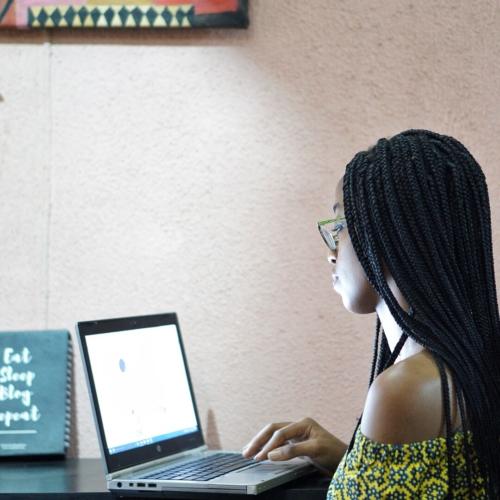 Nigerian blogger Cassie Daves - ways to update your blog