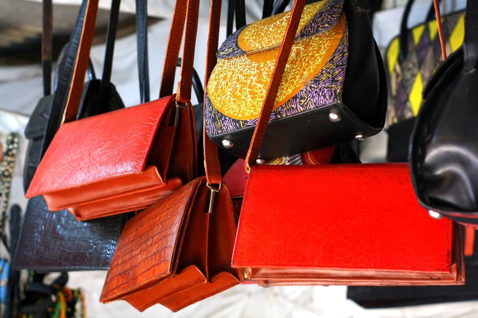 Lagos living lekki arts crafts market finds cassie for Arts and crafts industry