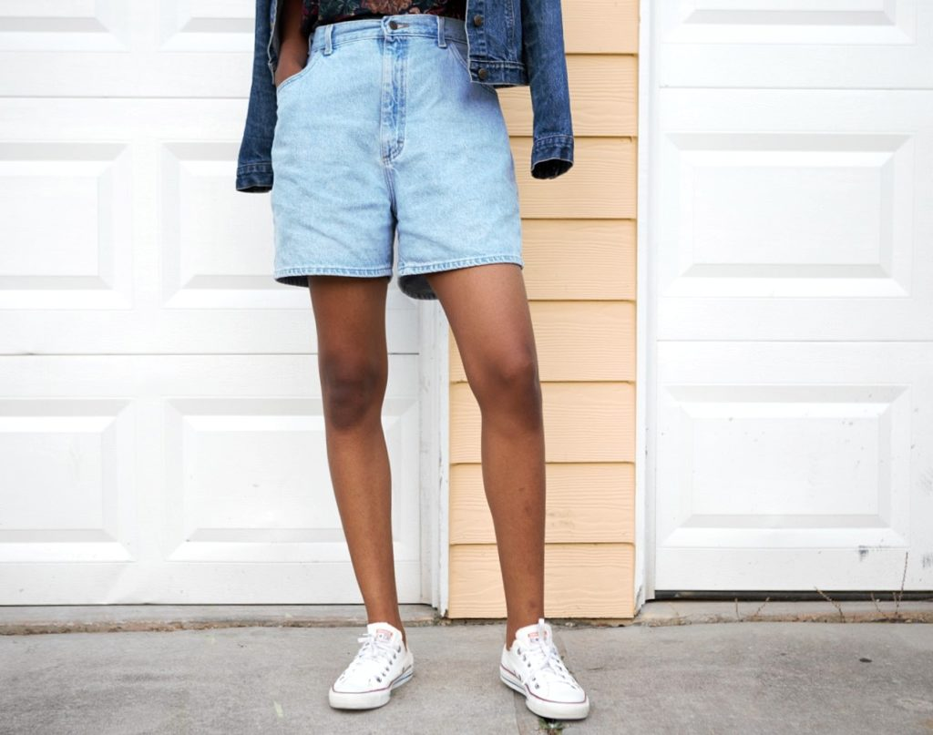 Styling high waisted denim mom shorts, Nigerian fashion blogger Cassie Daves styling high waisted denim mom shorts with converse