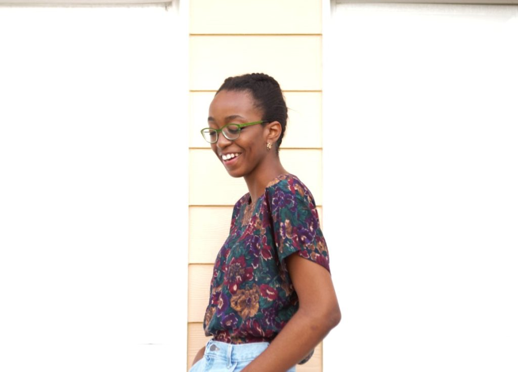 Styling high waisted denim mom shorts, Nigerian fashion blogger Cassie Daves