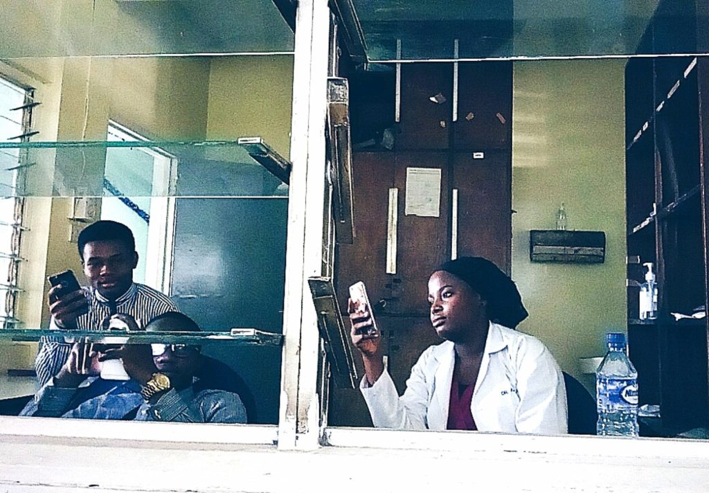 Housemanship In Nigeria (LUTH) Chronicles, Nigerian doctors in LUTH relaxing in ward