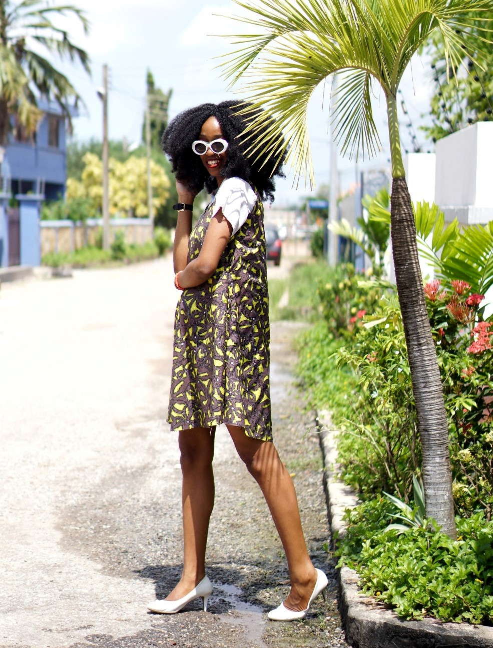 Nigeria fashion blogger Cassie daves in A Line ankara shift dress