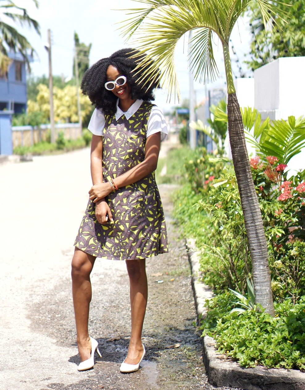 Nigeria fashion blogger Cassie daves in ankara shift dress