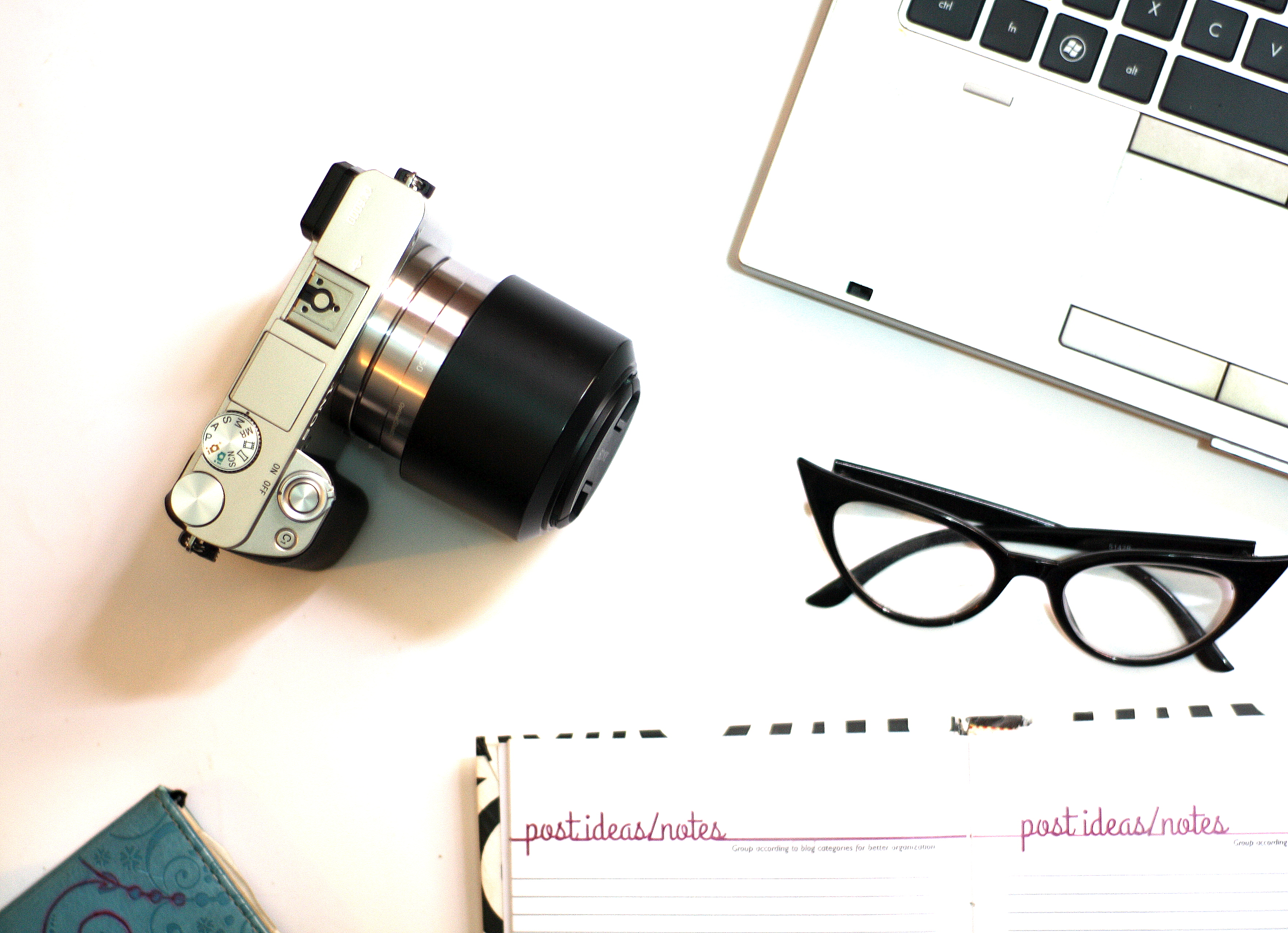 blogging process. sonyA6000 flatlay with cassie daves blog planner