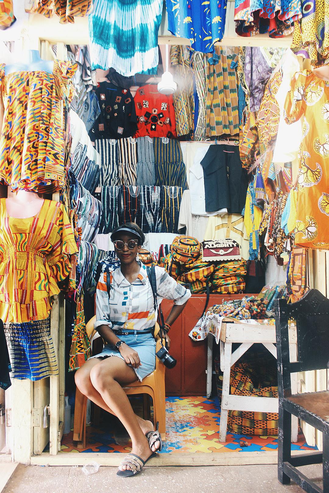 Nigerian blogger Cassie Daves at the arts and crafts centre in Accra