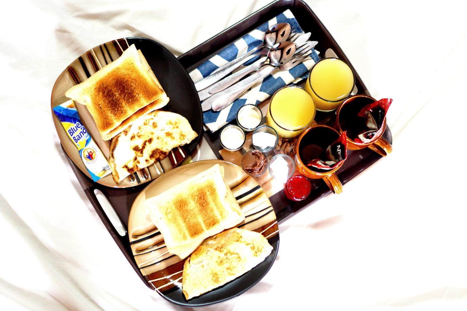 breakfast in Omanye lodge