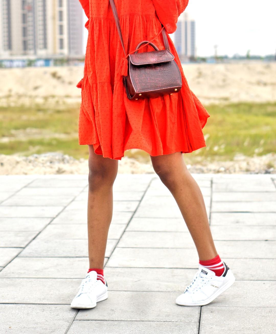 Cassie Daves, Nigerian blogger in wine red beret fashion trend