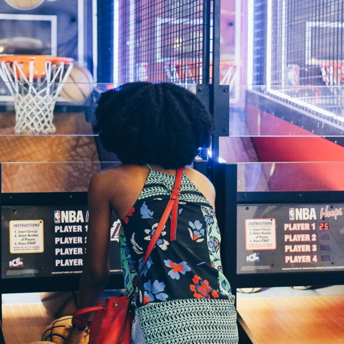 Nigerian blogger Cassie Daves playing a game of basketball at rrufus and bee